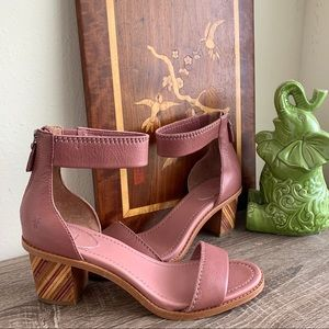 Frye Brielle Bias Zip Sandals Size 9.5